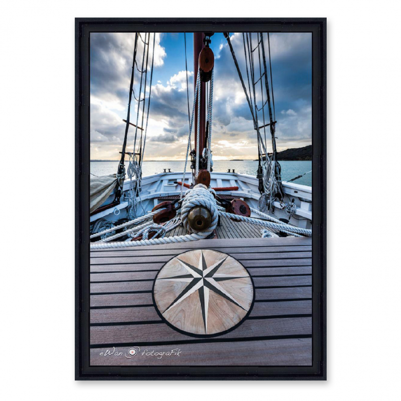 PICTURE WITH FRAME SAILING BOAT