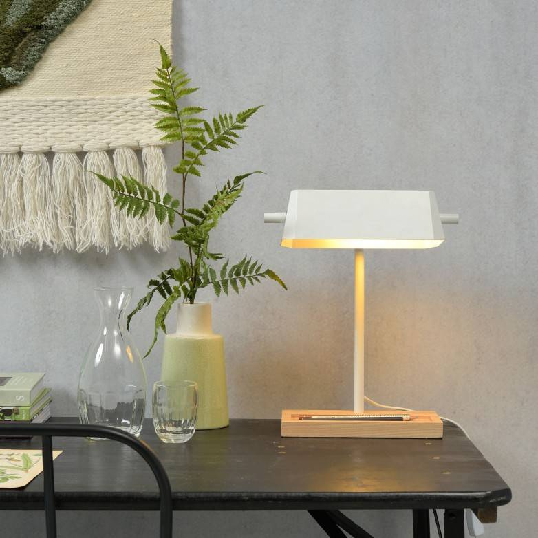 WHITE CAMBRIDGE TABLE LAMP