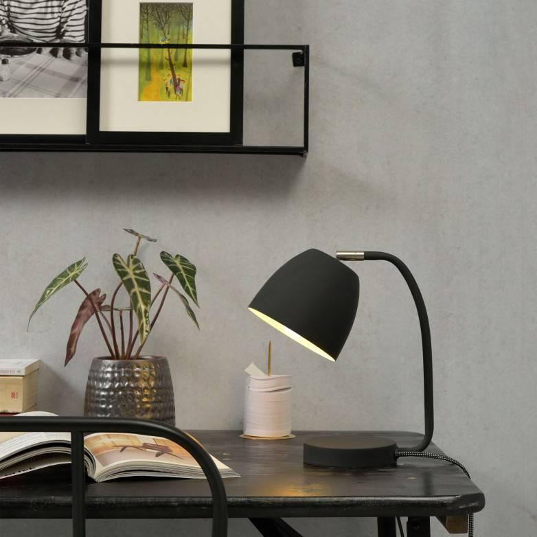 BLACK NEWPORT TABLE LAMP