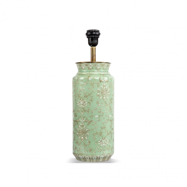 FLORAL PATTERN TABLE LAMP