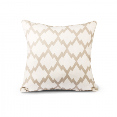 CUSHION PATTERN GEOMETRIC BEIGE/WHITE WITH PIPING