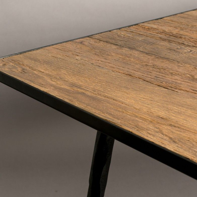 PEPPER DINING TABLE