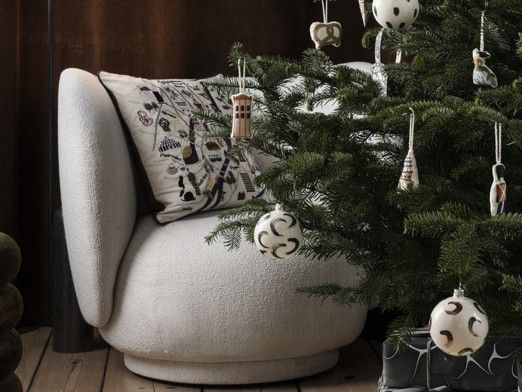 How to decorate the Christmas tree in 3 steps