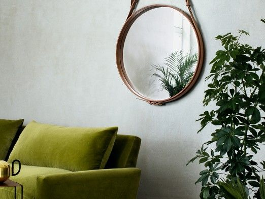 How to choose between a mirror and a decorative panel